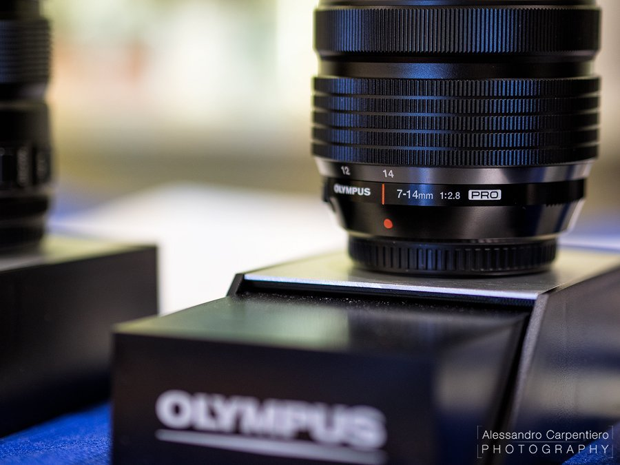 Details of the new super wide angle lenses for micro four thirds: Olympus 7-14mm f/2.8 PRO. splash proof, waterproof,wide,metal