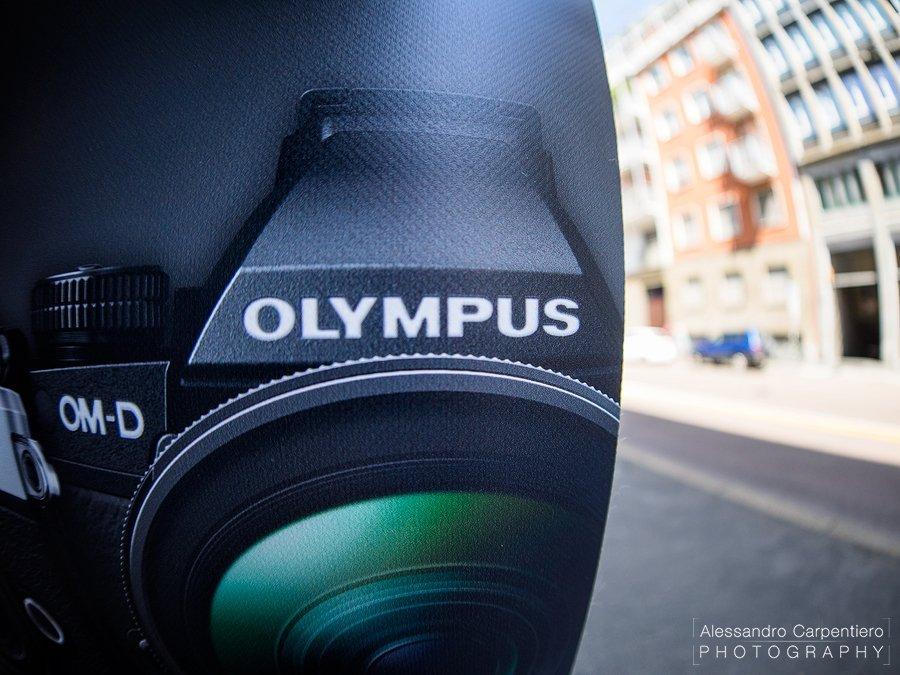 Olympus 8mm f/1.8 fisheye PRO lens bokeh details