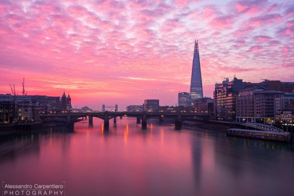 Waking up very early paid off quite well with this color explosion on the Thames, London.