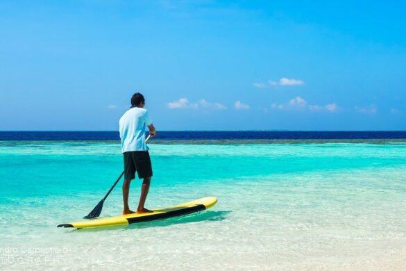 paddleboarding alle maldive