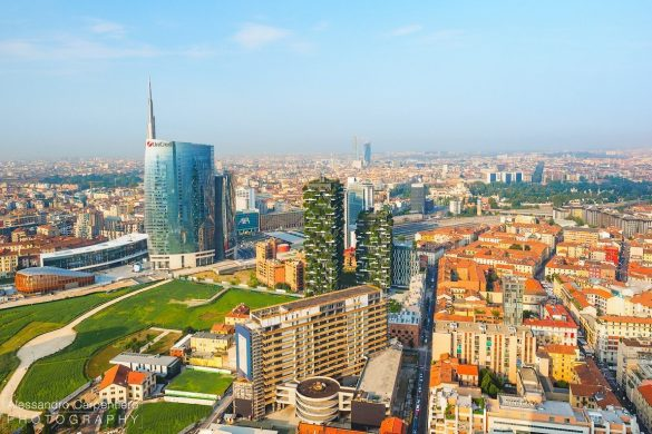 unicredit tower and vertical forest in milano