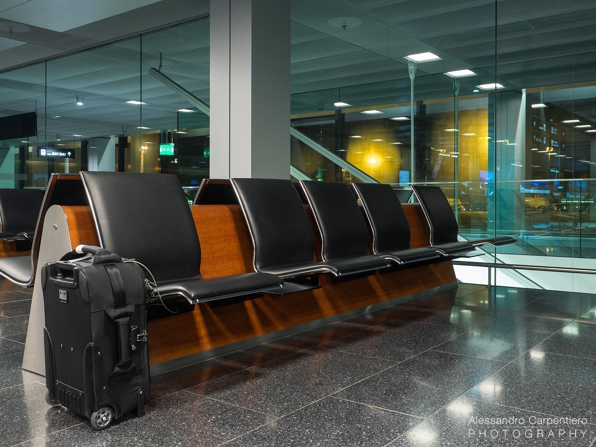 think-tank-airport-international-attached-to-chair2